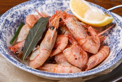 Boiled northern prawns